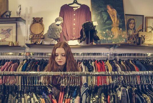 Ubrania używane – czy warto je kupić?